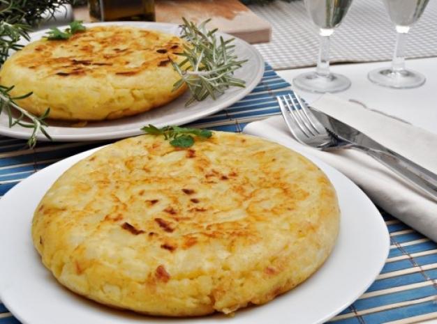 Tortilla de patatas un icono gastron mico nutritivo y - Sartenes para tortilla ...